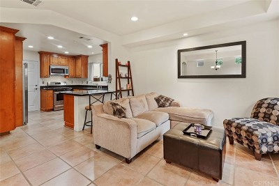 Sylmar Condo/Townhouse For Sale: 15232 Foothill Boulevard #105