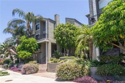 Sherman Oaks Condo/Townhouse For Sale: 4536 Colbath Avenue #207