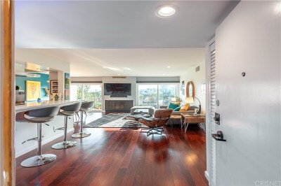 Los Angeles County Condo/Townhouse For Sale: 949 North Kings Road #310