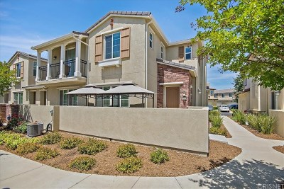 Valencia Condo/Townhouse For Sale: 28829 Camino De Cielo Drive
