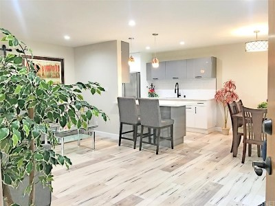 Valley Village CA Condo/Townhouse For Sale: $389,000