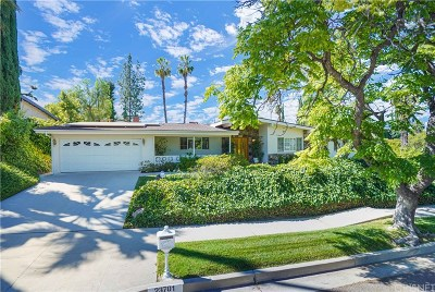 Woodland Hills Single Family Home For Sale: 23701 Ladrillo Street