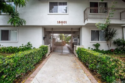 Los Angeles County Condo/Townhouse For Sale: 18601 Collins Street #D17