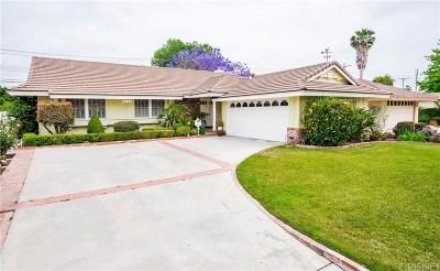 Northridge Single Family Home Active Under Contract: 9136 Gerald Avenue