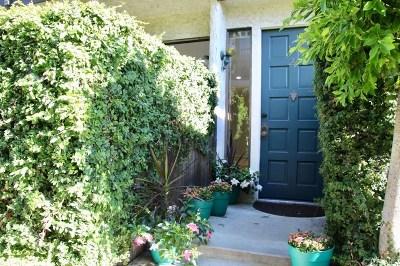 Studio City Condo/Townhouse For Sale: 4222 Troost Avenue #22