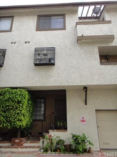 Canoga Park Condo/Townhouse For Sale: 7650 Topanga Canyon Boulevard #12