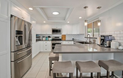 Chatsworth Single Family Home For Sale: 10213 Eton Avenue