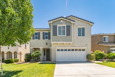 Palmdale Single Family Home For Sale: 2814 Boxwood Place