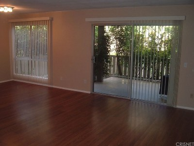Thousand Oaks Condo/Townhouse Active Under Contract: 254 Sequoia Court #14