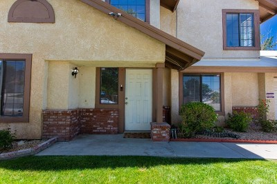 Palmdale Single Family Home For Sale: 37633 Barbara Lane