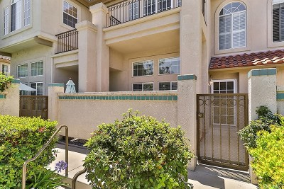 Thousand Oaks Condo/Townhouse For Sale: 690 Warwick Avenue