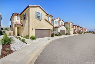 Newhall Single Family Home For Sale: 26347 Piazza Di Sarro