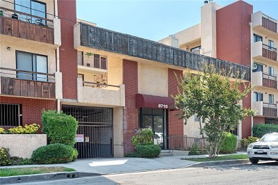 Canoga Park Condo/Townhouse For Sale: 8710 Independence Avenue #204