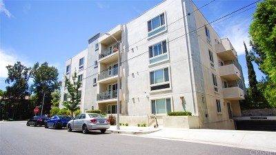 Studio City Condo/Townhouse For Sale: 4644 Coldwater Canyon Avenue #104