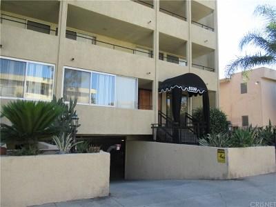 Encino Condo/Townhouse For Sale: 5339 Newcastle Avenue #307