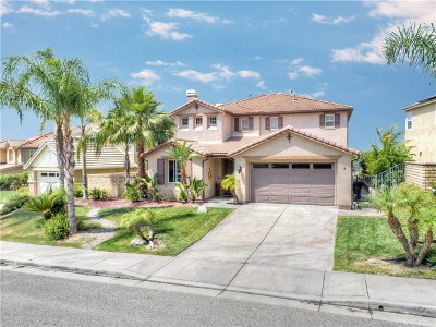 Saugus Single Family Home Active Under Contract: 19628 Mathilde Lane