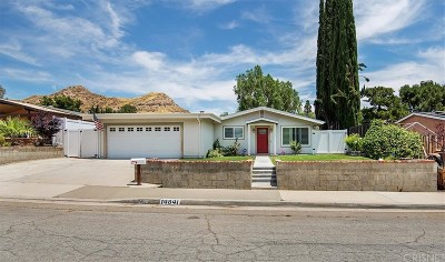 Canyon Country Single Family Home Active Under Contract: 14841 Daffodil Avenue