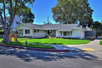 Chatsworth Single Family Home For Sale: 19864 Superior Street