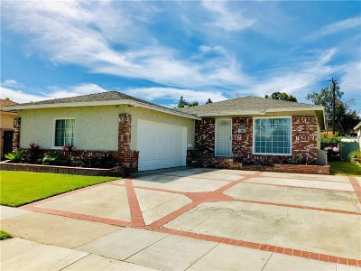 Long Beach Single Family Home For Sale: 3240 East 68th Street