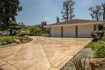 Camarillo Single Family Home Active Under Contract: 1406 Fairway Drive