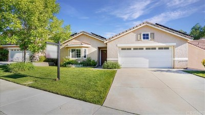 Canyon Country Single Family Home For Sale: 14656 Laurel Court