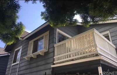 Canoga Park Condo/Townhouse For Sale: 8463 De Soto Avenue #4