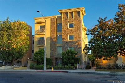 Toluca Lake Condo/Townhouse For Sale: 10762 Camarillo Street #3