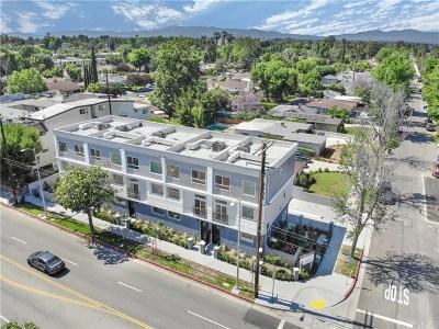 Sherman Oaks Condo/Townhouse For Sale: 5203 Lemona Avenue #2