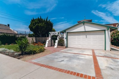Los Angeles County Single Family Home For Sale: 6017 Wilkinson Avenue