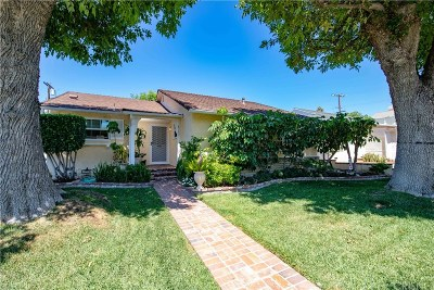 Reseda Single Family Home For Sale: 8145 Darby Place
