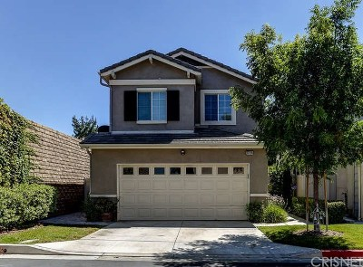 Canyon Country Condo/Townhouse For Sale: 27124 Marisa Drive