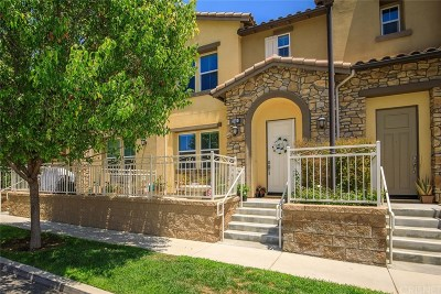 Simi Valley Condo/Townhouse For Sale: 2242 Winifred Street #2