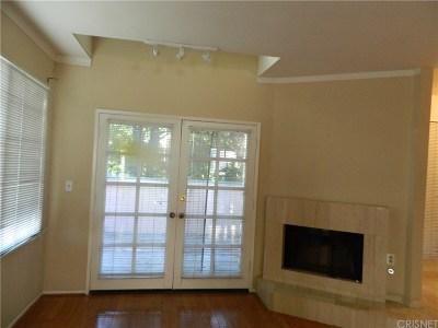Canoga Park Condo/Townhouse For Sale: 7904 Topanga Canyon Boulevard #1