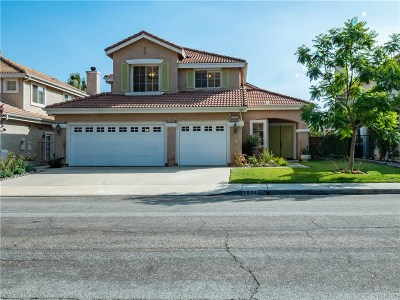 Simi Valley Single Family Home For Sale: 1926 Winterdew Avenue