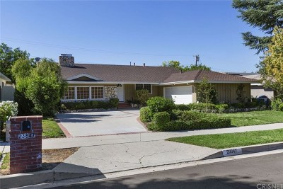 Woodland Hills Single Family Home For Sale: 23847 Oxnard Street