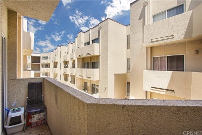 Reseda Condo/Townhouse For Sale: 19350 Sherman Way #223