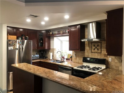Pacoima Condo/Townhouse For Sale: 11343 Dronfield