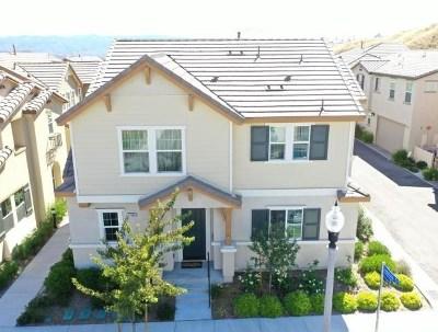 Saugus Single Family Home For Sale: 27498 Jasmine Court