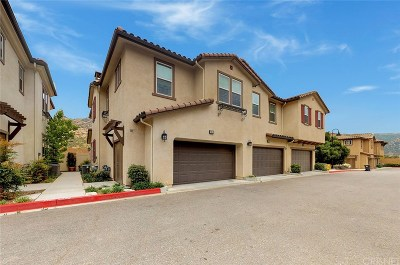 Simi Valley Condo/Townhouse Active Under Contract: 2468 Ascending Oaks Court #3