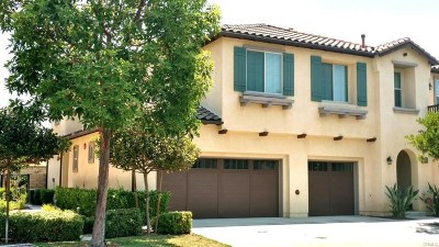Moorpark Condo/Townhouse For Sale: 6788 Simmons Way