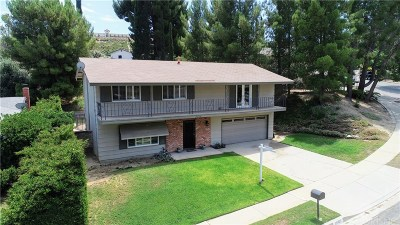 Newhall Single Family Home Active Under Contract: 26328 Larkhaven Place