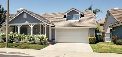 Valencia Single Family Home Active Under Contract: 23985 Oakland Court