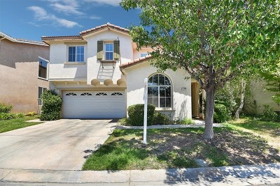Valencia Single Family Home Active Under Contract: 27946 Periwinkle Lane