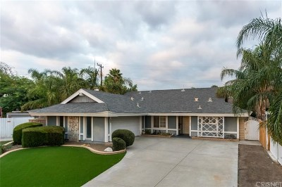 Saugus Single Family Home Active Under Contract: 21100 Rosedell Drive