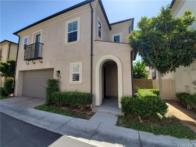 Saugus Single Family Home Active Under Contract: 21941 Propello Drive