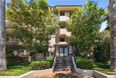 West Hollywood Condo/Townhouse Active Under Contract: 8121 Norton Avenue #403
