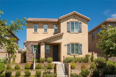Valencia Single Family Home Active Under Contract: 28671 Vista Del Rio Drive