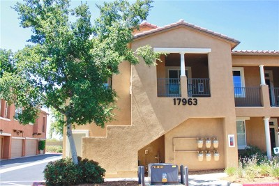 Canyon Country Condo/Townhouse For Sale: 17963 Lost Canyon Road #57