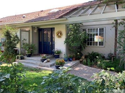 Canoga Park Single Family Home Active Under Contract: 9318 Chaparral Road