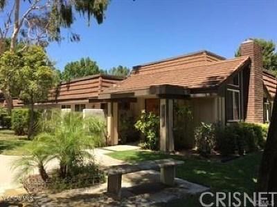 Chatsworth Condo/Townhouse For Sale: 10463 Larwin Avenue #5